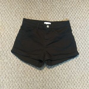 Trendy H&M High Waisted Black Shorts Size 2